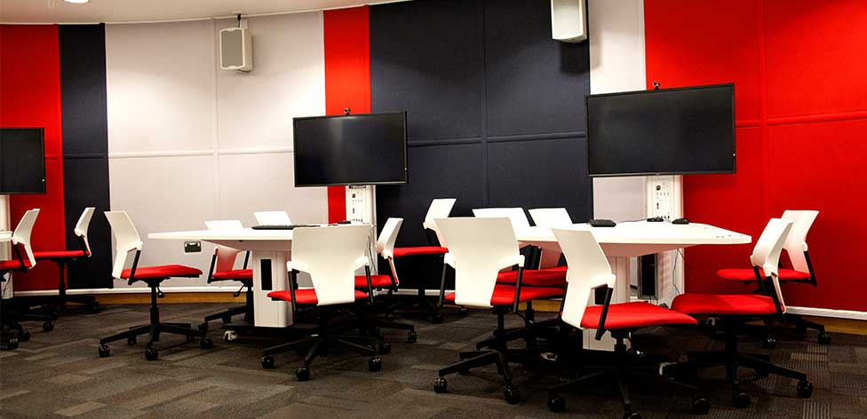 Active learning classroom (LAB006 in Cambridge)
