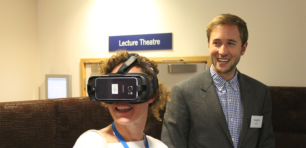Demonstrating the Labster virtual reality labs