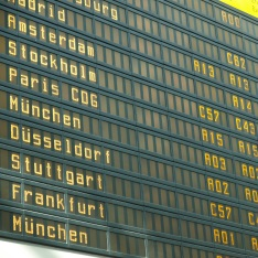 Train station departure board showing multiple destinations across Europe, including Paris, Stockholm and Frankfurt.