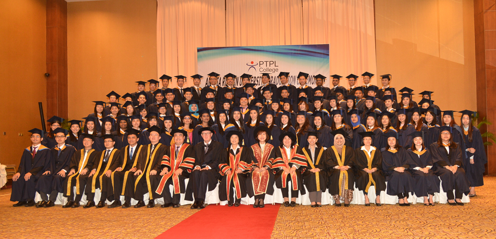 Kolej PTP graduation ceremony