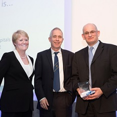 Professor Paul White (right) receives his award from Professor Sue Hill OBE, NHS Chief Scientific Officer, and Professor Sir Jim Smith, Director of Science at the Wellcome Trust
