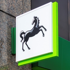 Lloyds Bank sign: white and green square with a black horse.